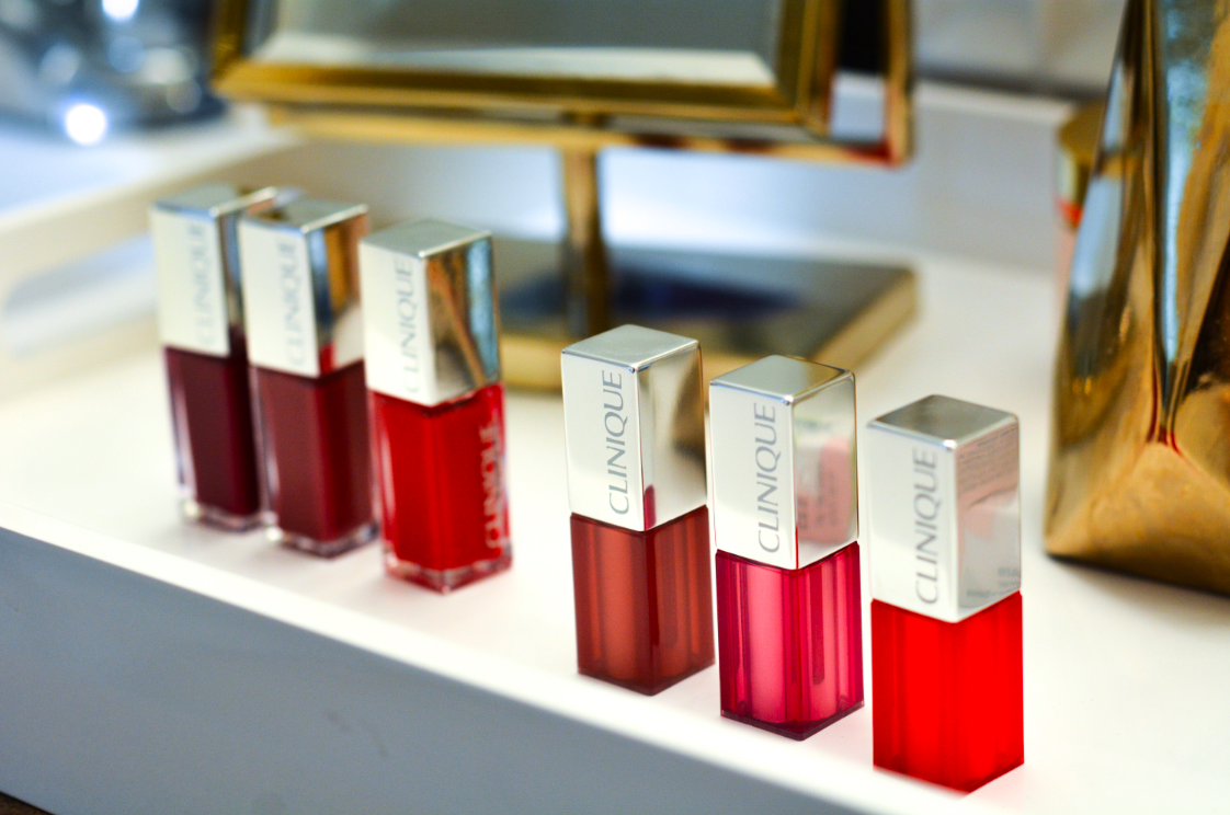 Clinique Review: I'm a sucker for lip colors and Clinique is serving up a whole new spring collection. Read my review on the must-have glosses for the season.