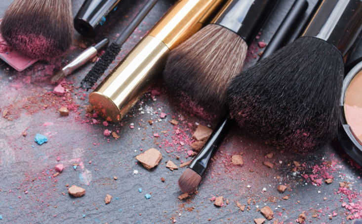 Want a red carpet-ready look? Celebrity Makeup Artist, Jami Svay, shares her beauty tips and makeup secrets on the blog.